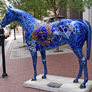 Horse sculpture, Louisville Kentucky. Credit: Atelier teee, Flickr.